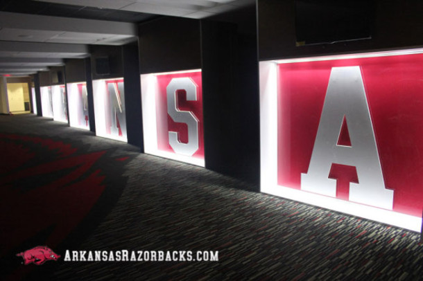arkansas-locker-room-610x406
