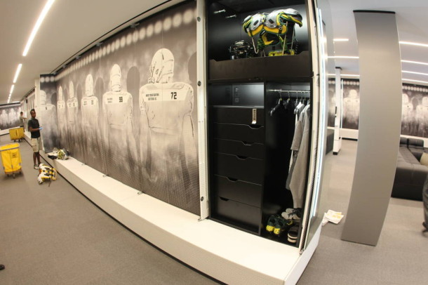 oregon-locker-room-2