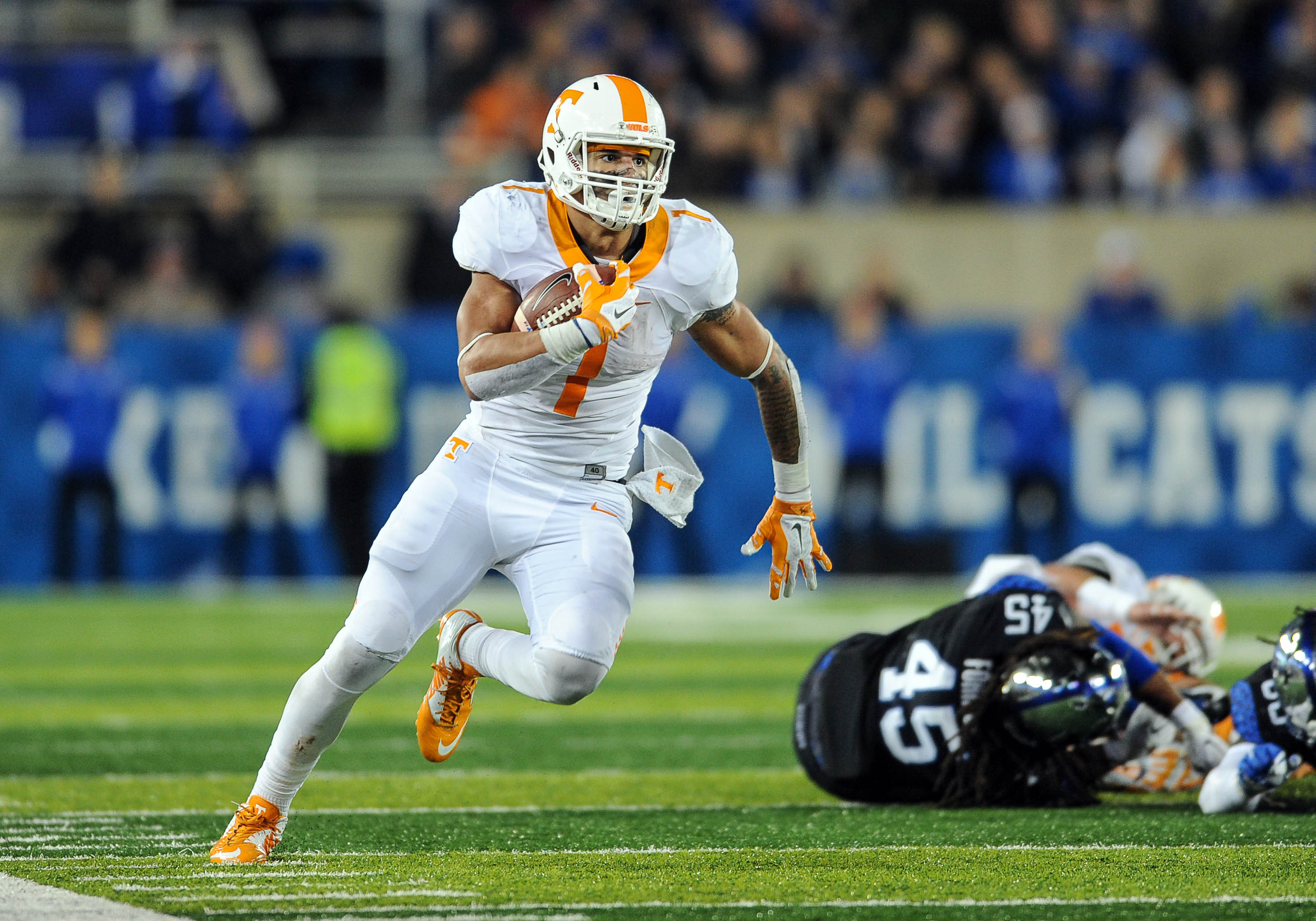 Oct 31, 2015; Lexington, KY, USA; Tennessee Volunteers running back Jalen Hurd (1) runs for a touchdown against the Kentucky Wildcats at Commonwealth Stadium. Mandatory Credit: Bryan Lynn-USA TODAY Sports
