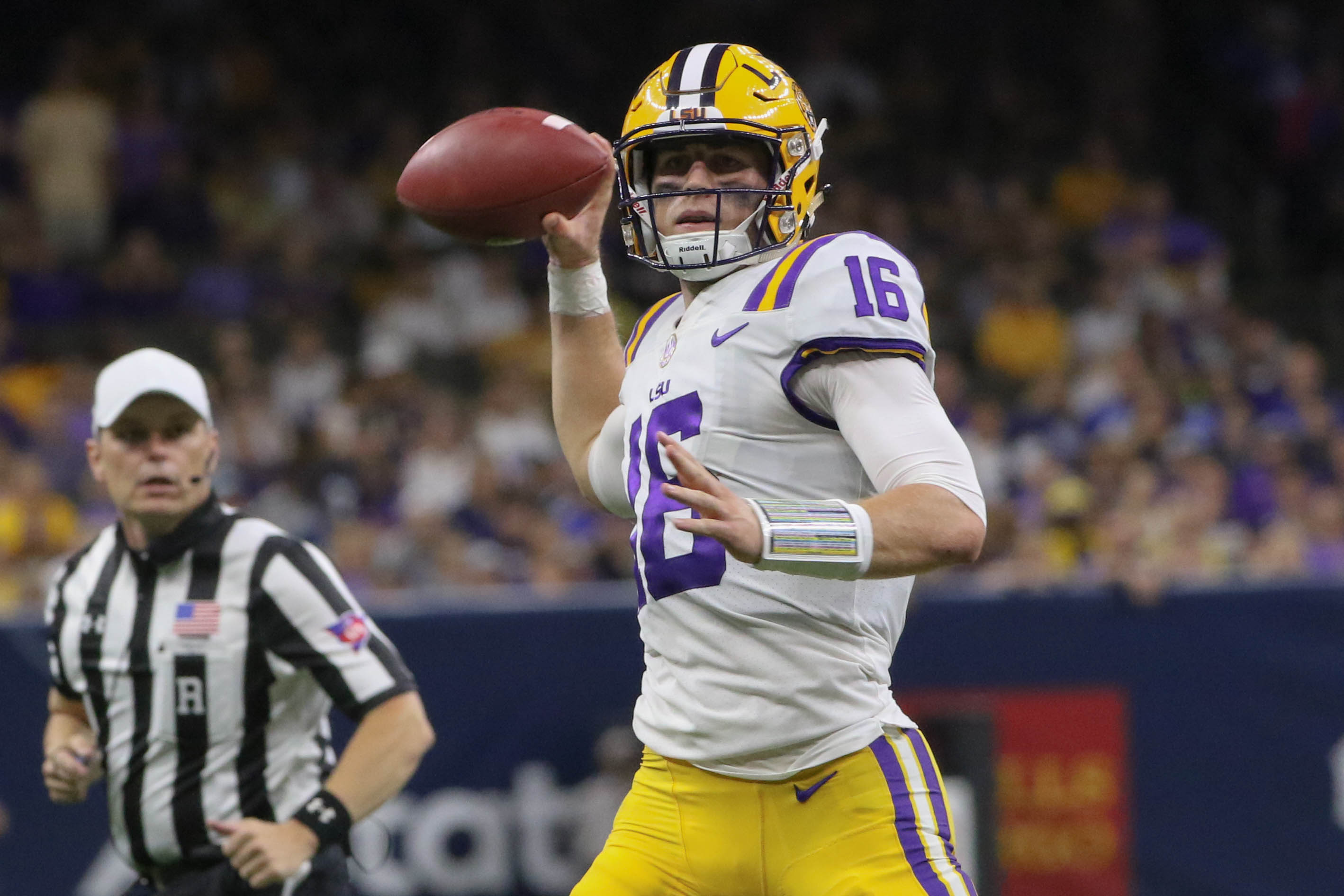 Penalties cost LSU big in 37-7 loss to Miss