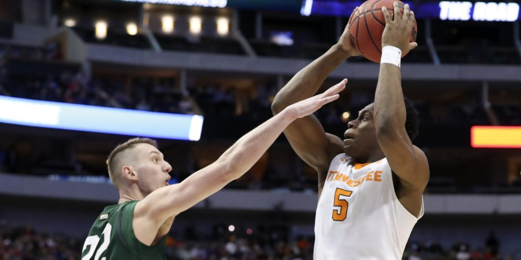 East Region notes: Tennessee 'crushed' after loss; Loyola's focus key