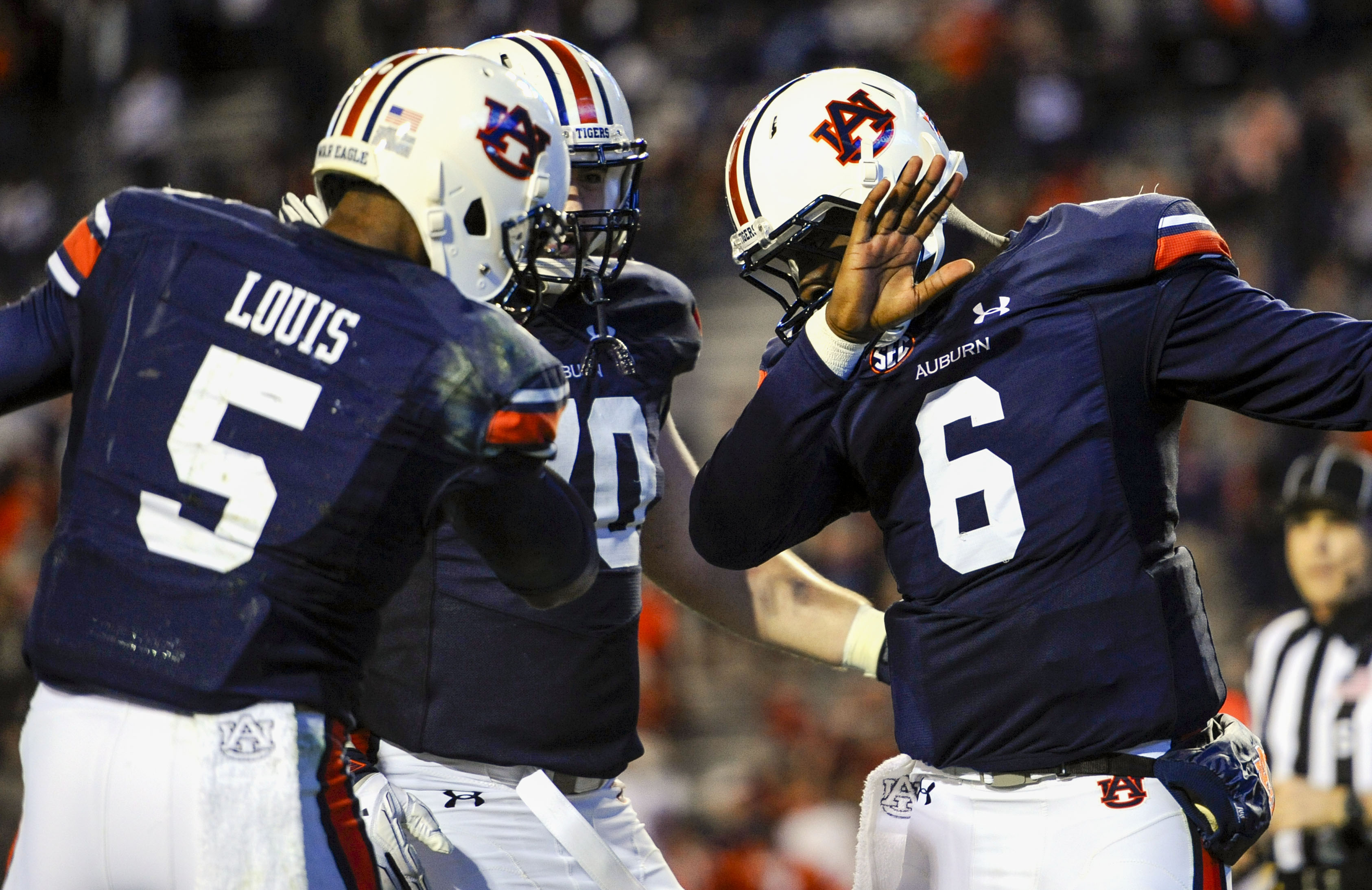 Photo: Tigers debuting new gloves in Iron Bowl with 'Sweet ...