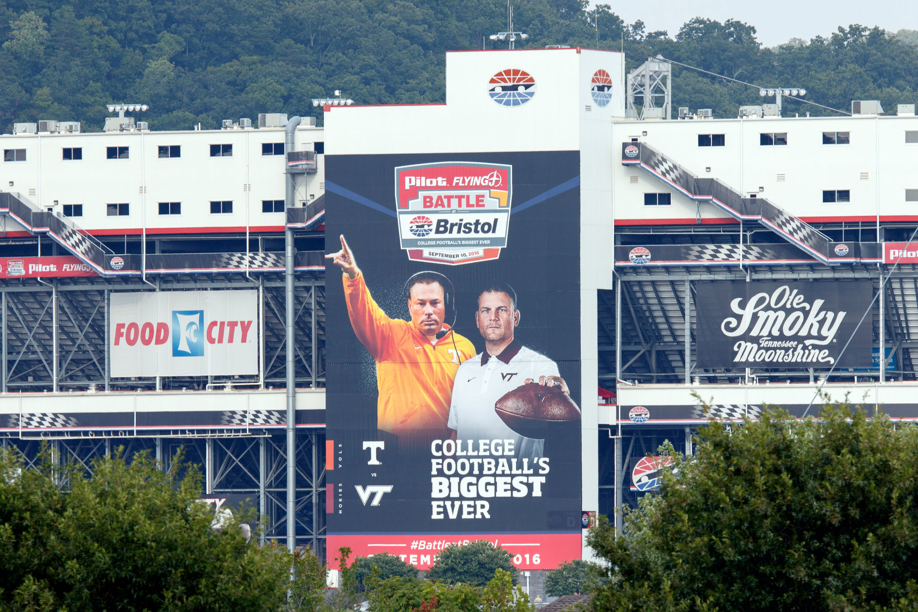 Tennessee Virginia Tech Fetch Big Payouts For Battle At