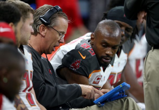 Dec 24, 2016; New Orleans, LA, USA; Tampa Bay Buccaneers offensive coordinator Todd Monken talks to wide receiver Russell Shepard (89) on the bench in the second quarter against the New Orleans Saints at the Mercedes-Benz Superdome. Mandatory Credit: Chuck Cook-USA TODAY Sports