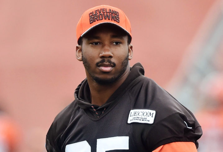 Browns' Garrett has sprained foot, expected to be in camp
