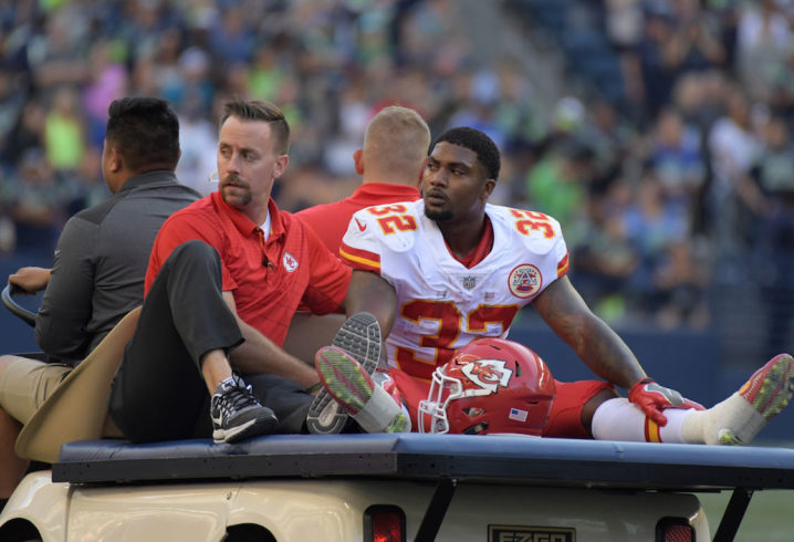 Chiefs RB Spencer Ware carted off the field with knee injury