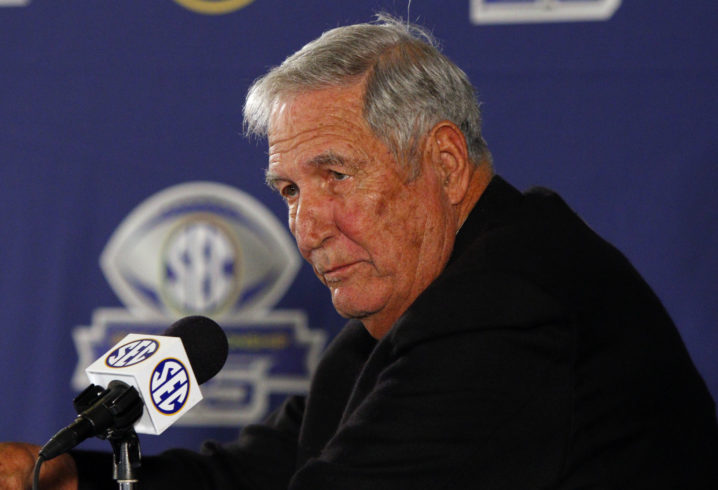 Former Texas A&M Coach Stallings suffers minor stroke at DFW Airport