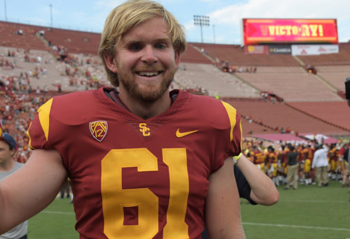 Blind USC football player delivers snap