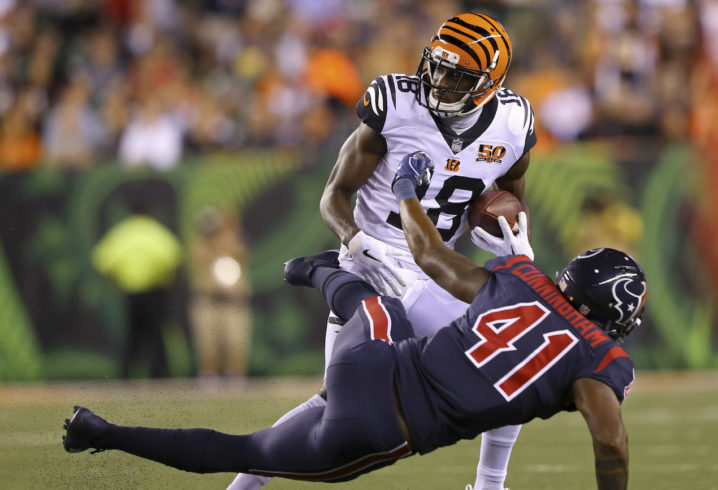 Lewis backs Dalton despite historically bad Bengals start