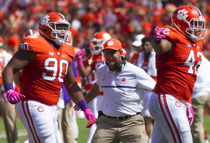 Clemson Defense Pounces on Auburn