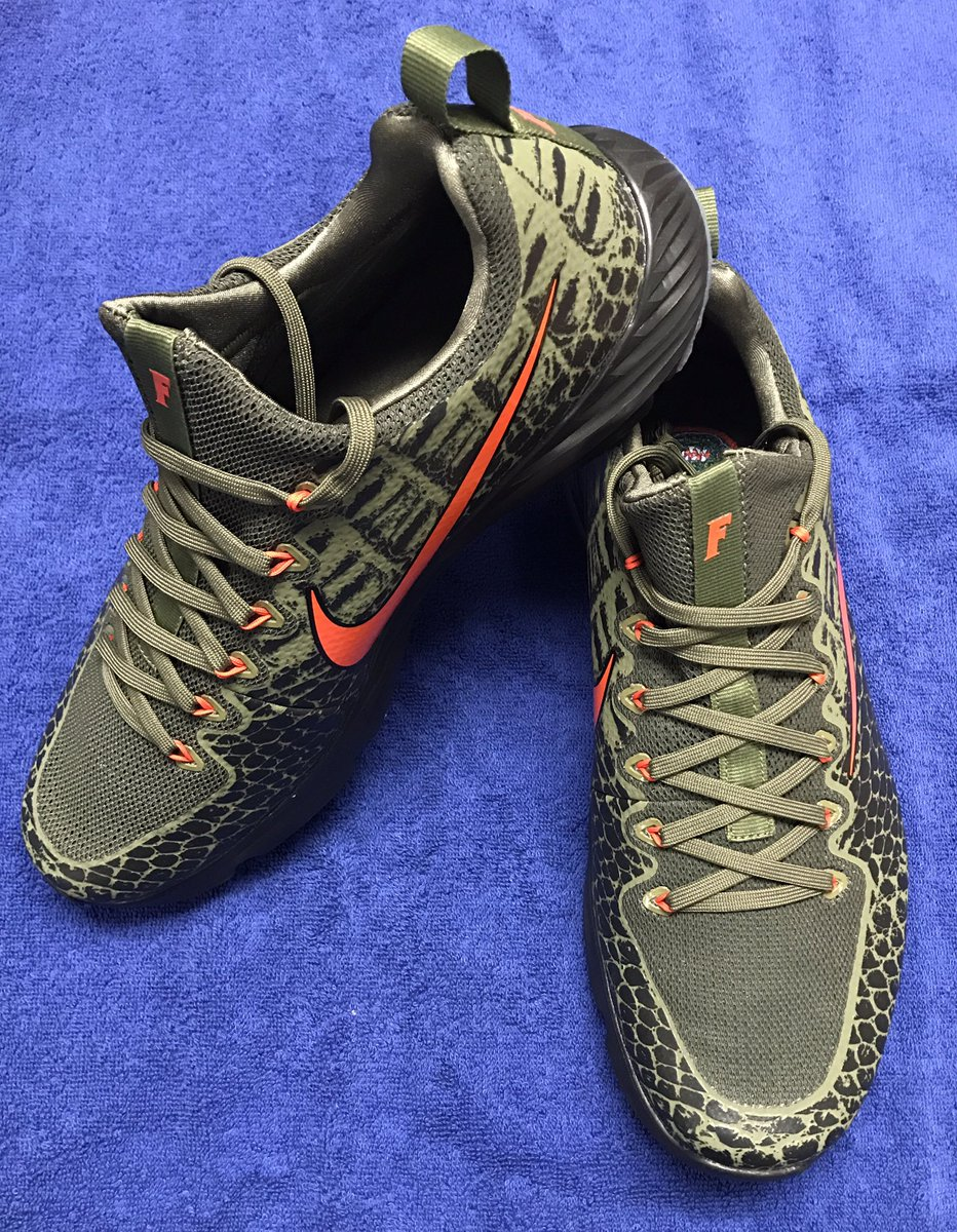 hot sale online 2f5ea 1220b LOOK: Nike creates Swamp green sneakers with chrome orange ...