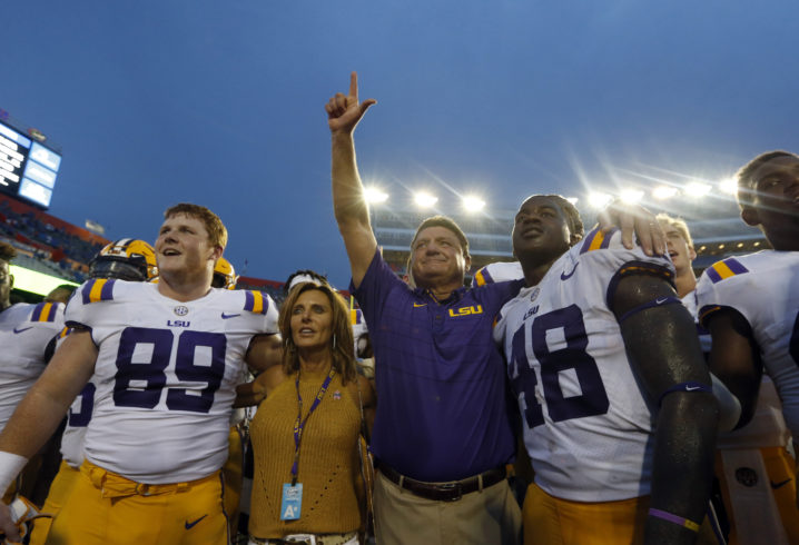 LSU rallies back from 20-0 deficit, upsets No. 10 Auburn