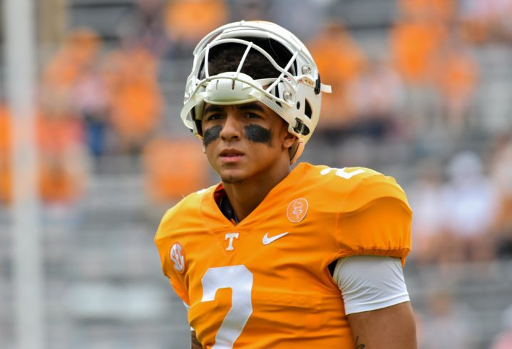 SC  player comforts Tennessee QB after loss — SPORTSMANSHIP