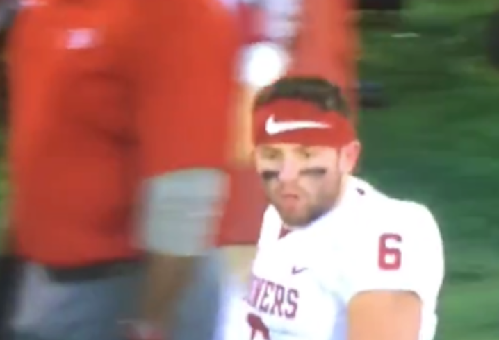 Baker Mayfield grabs crotch, shouts expletives at Kansas sideline after TD