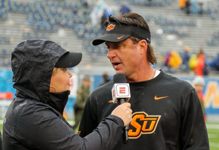 Gundy talking to Tennessee Volunteers