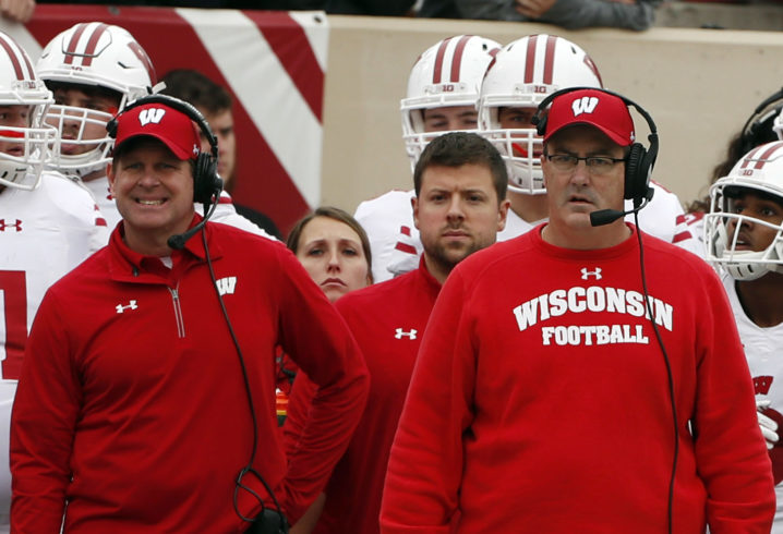 Wisconsin defeats Iowa 38-14 to clinch Big Ten West