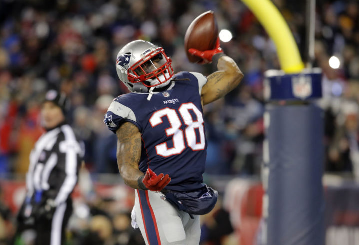 Patriots RB Bolden signs one-year deal