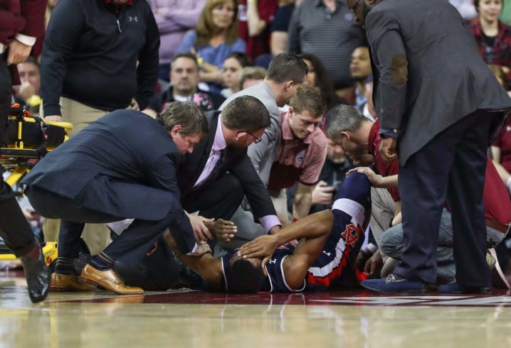 Anfernee McLemore Stretchered off Court After Gruesome Foot Injury