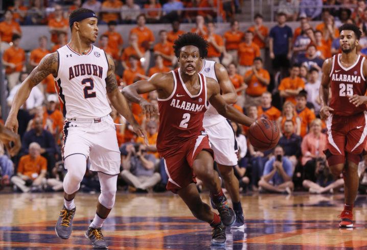 Arkansas hangs on, sends Alabama to third straight loss