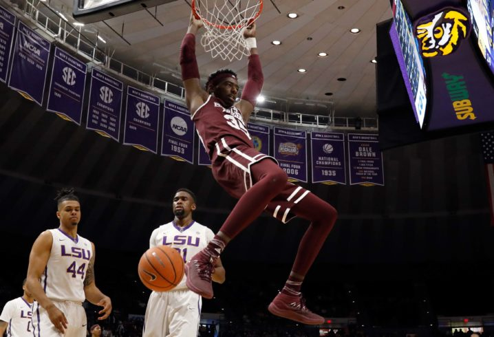 Mississippi St. downs LSU, heads to SEC quarters