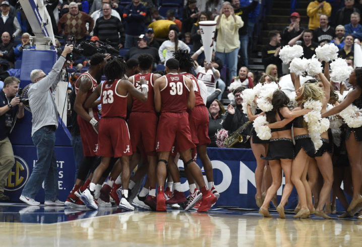Collin Sexton's buzzer-beating finger roll sends Alabama to tourney