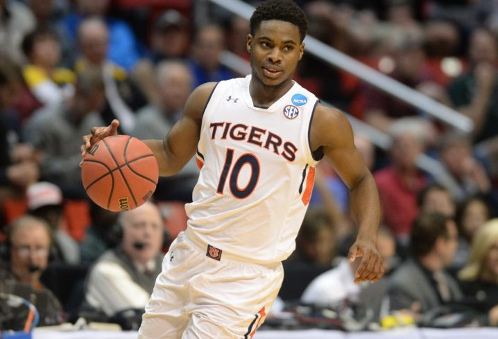 Auburn guard Davion Mitchell announces he's transferring
