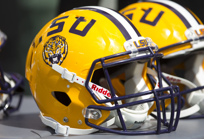 Thaddeus Moss Football >> Injured LSU TE Thaddeus Moss tweets picture from hospital
